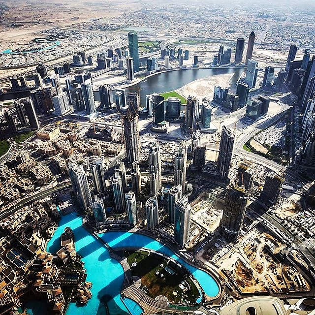 #atthetopsky #atthetopskyburjkhalifa #burjkhalifa #burj #dubai #dubai #topoftheworld #skyscraper #dubaiphotographer #dubaifromthesky #dubaifromabove